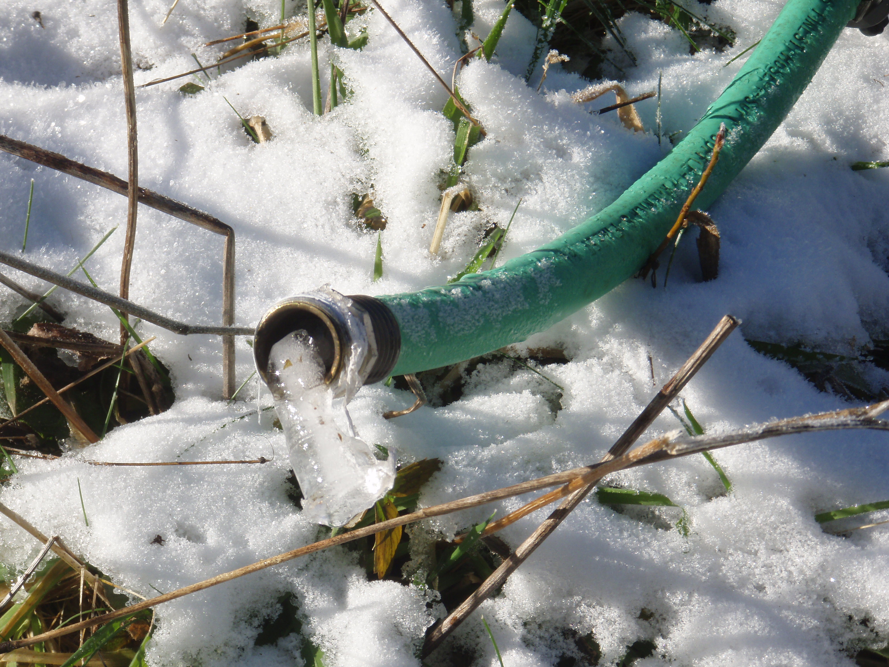 how to prepare an outside hose for freezing temperatures green apple