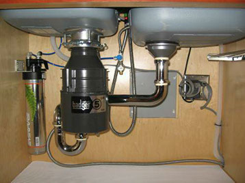the problem of garbage disposal essay Why is proper garbage disposal important a: quick answer  to avoid contributing to the growing problem of trash disposal,.