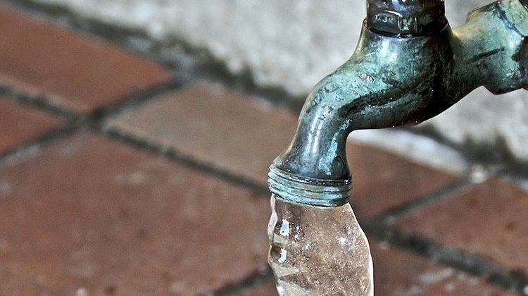 How to Prevent Frozen Pipes While we can't control the weather, there are things we can do to prevent pipes from freezing. To prevent pipes from freezing and causing major damage, follow these steps: Drain water from pipes that are likely to freeze. This includes your swimming pool and sprinkler water supply lines. Disconnect any […]